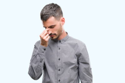 Dyskomfort podczas noszenia soczewek kontaktowych