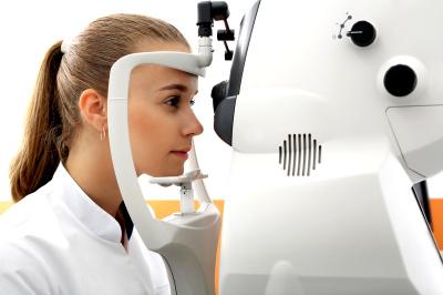 Jak odpowiednio dobrać soczewki kontaktowe do wady wzroku?